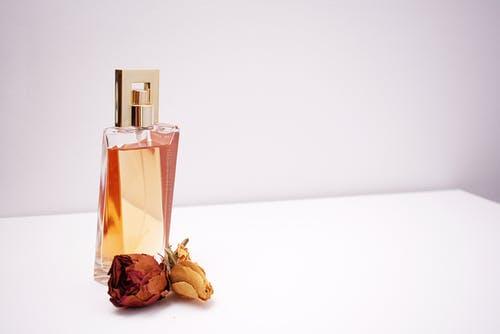 ženski parfumi